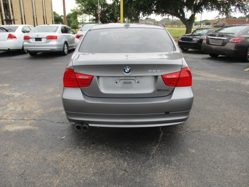 BMW 3 Series* 2011 price $7,900