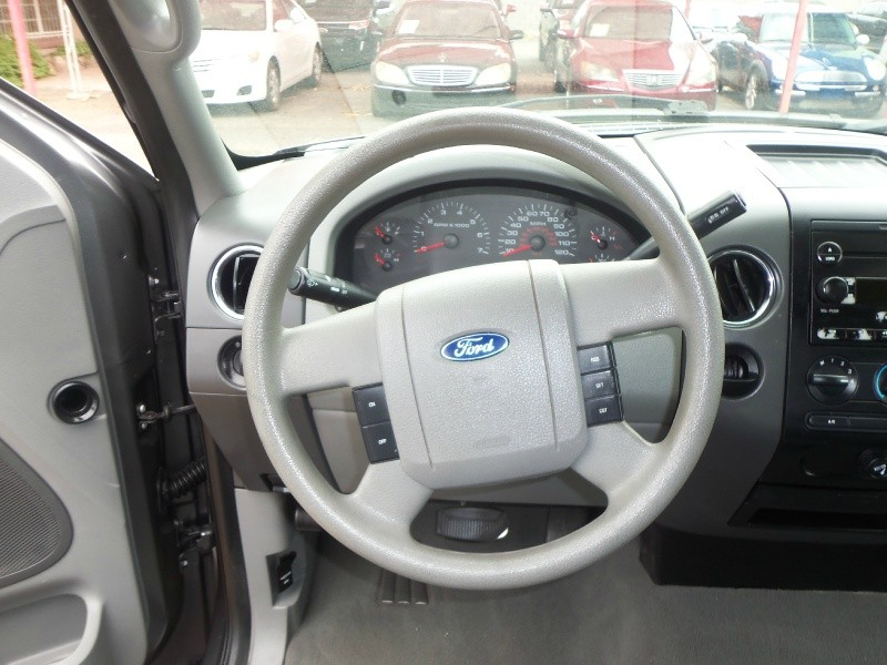 Ford F-150 2006 price $7,800