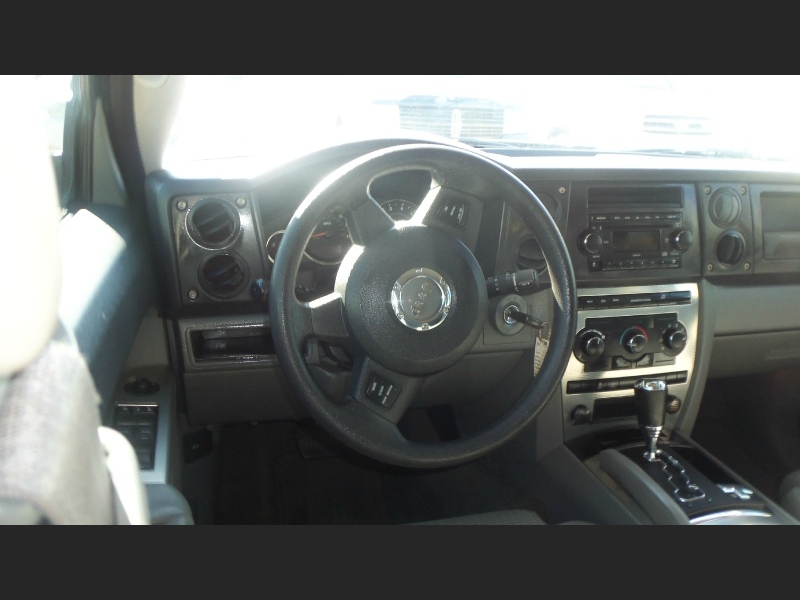 Jeep Commander 2007 price $7,900