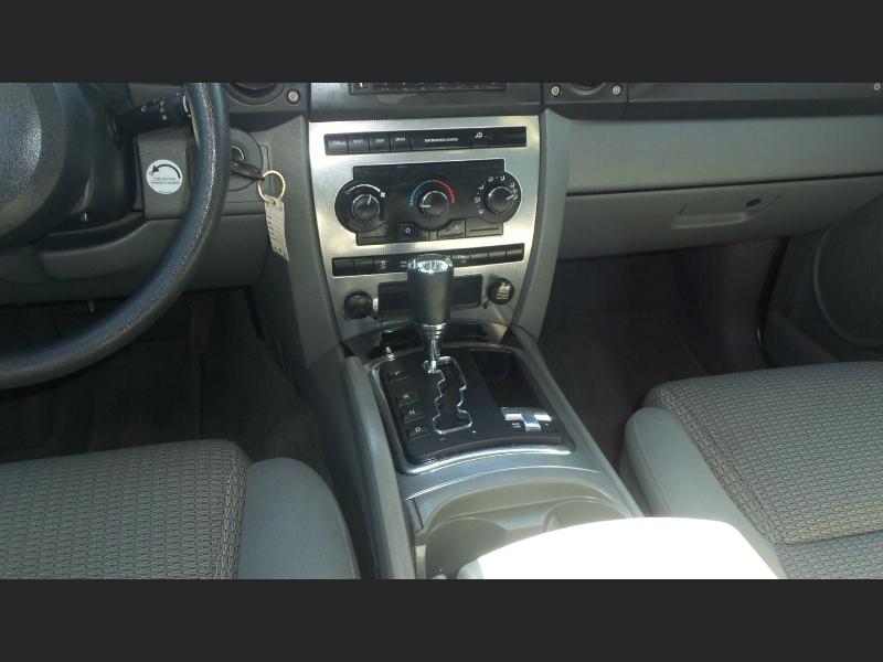 Jeep Commander 2007 price $7,900