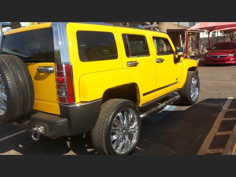 Hummer H3 2006 price $9,600