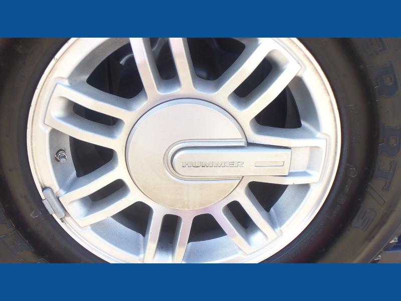 Hummer H3 2007 price $8,900