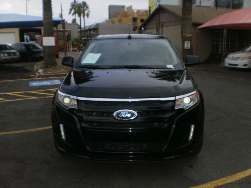 Ford Edge 2011 price $13,900