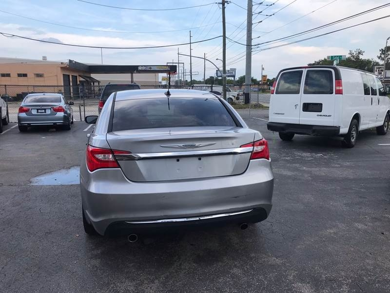 Chrysler 200 2014 price $4,595