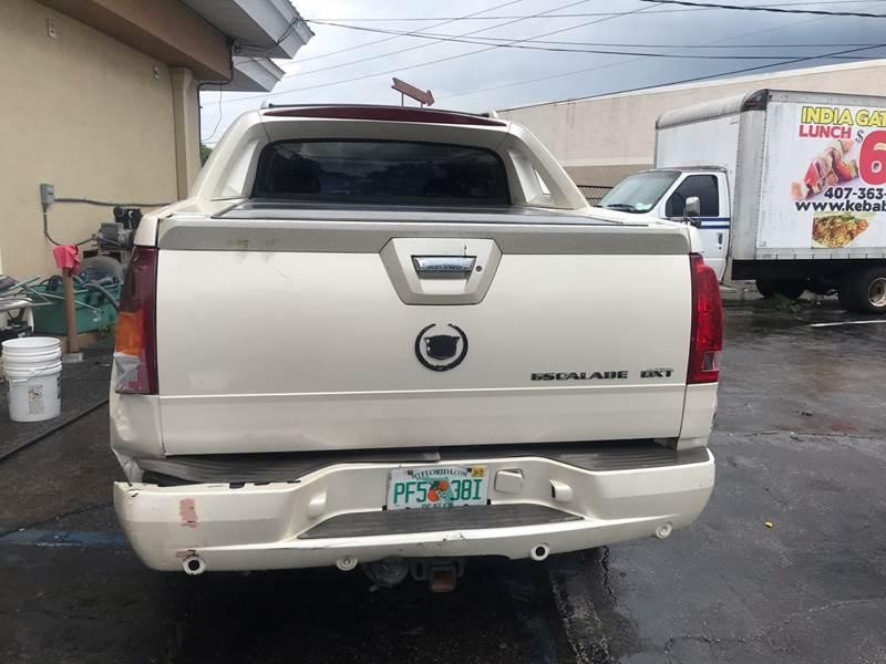 Cadillac Escalade EXT 2004 price $4,695