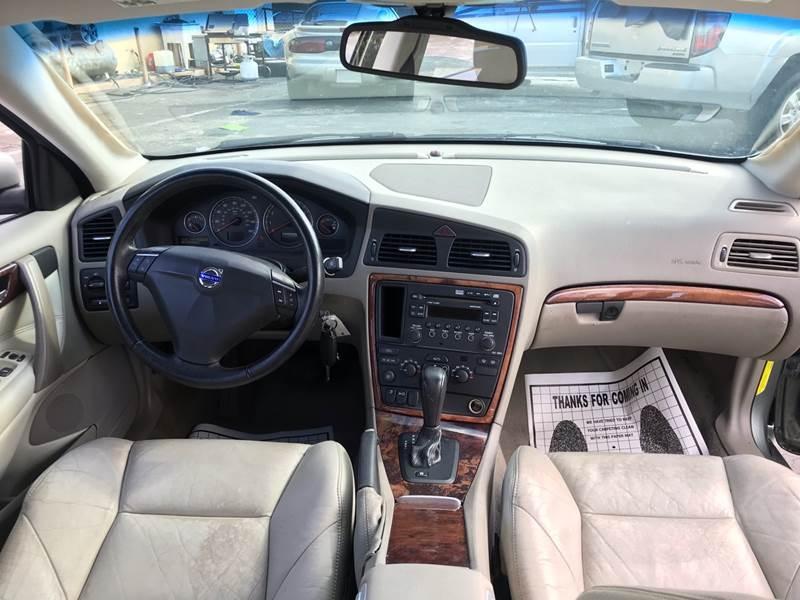 Volvo S60 2007 price $2,495