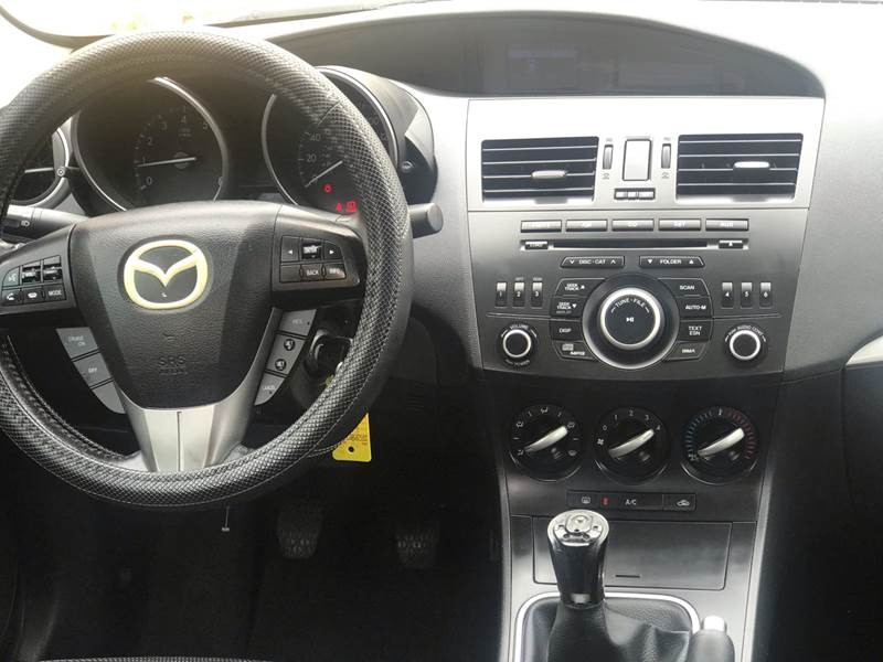 Mazda MAZDA3 2012 price $3,295