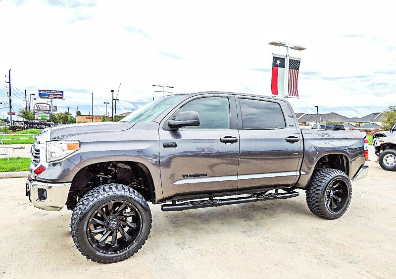 Toyota Tundra SR5 4X4 Lifted 2016 price $34,900