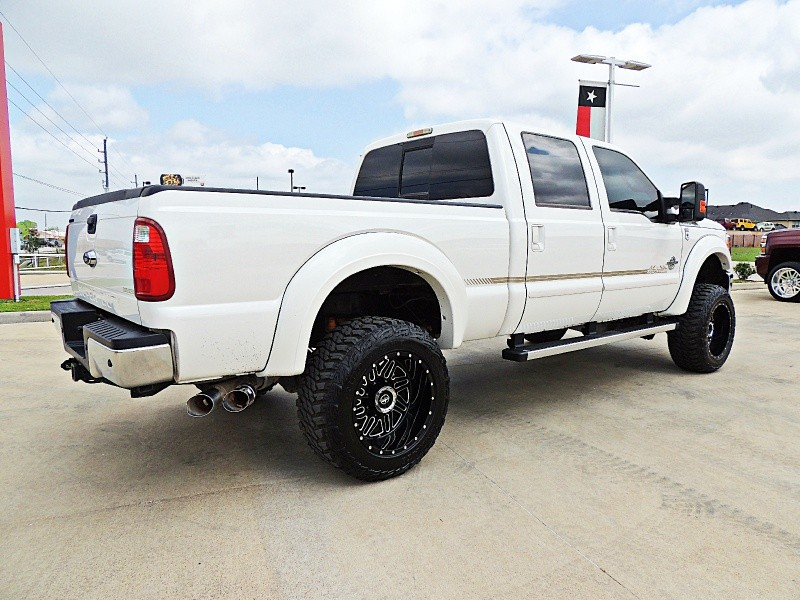 Ford F-250 Lariat 4X4 Lifted 2015 price $40,900