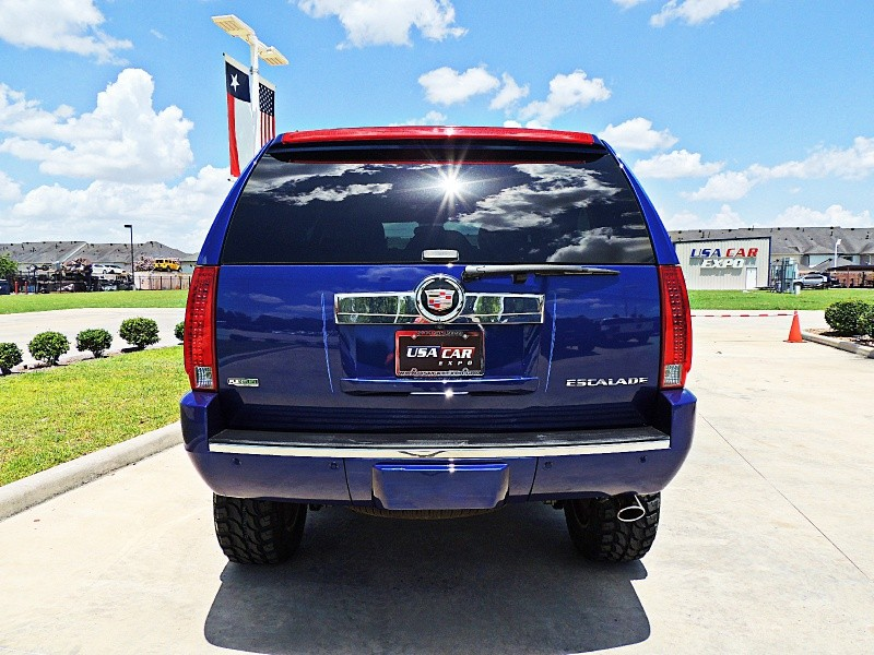 Cadillac Escalade 2010 price $28,850