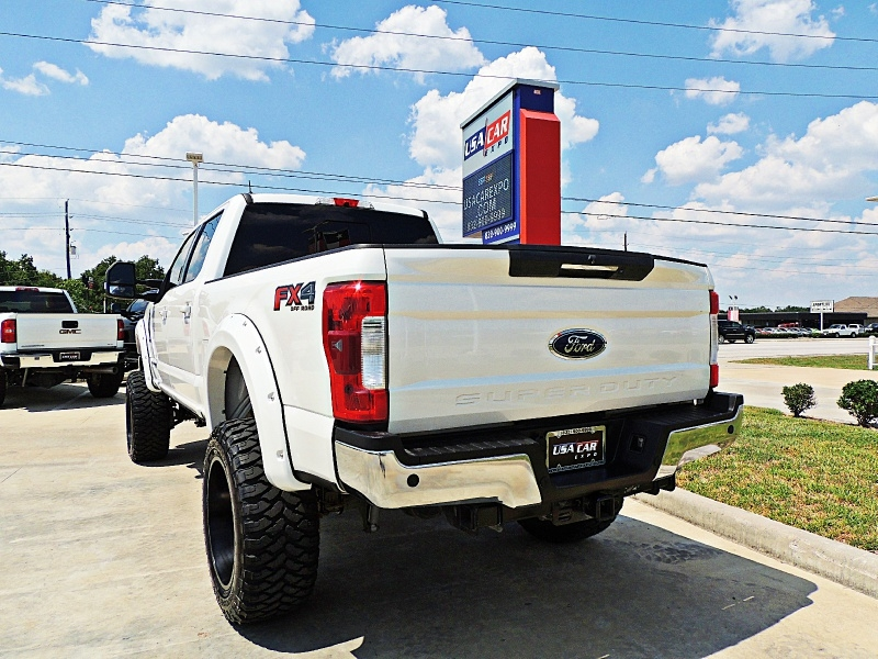 Ford F-250 Lariat 4X4 Lifted 2017 price $57,900