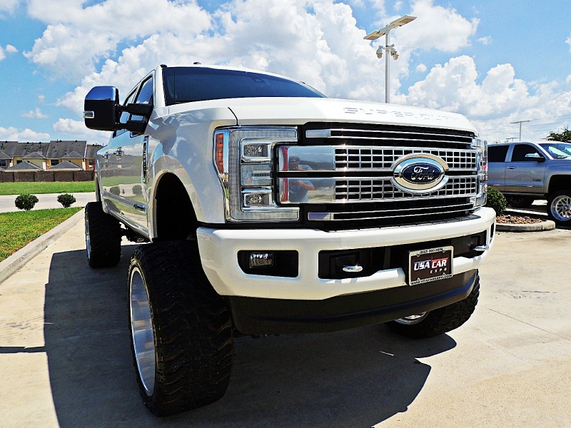 Ford F-250 Platinum 4X4 Lifted 2017 price $69,900
