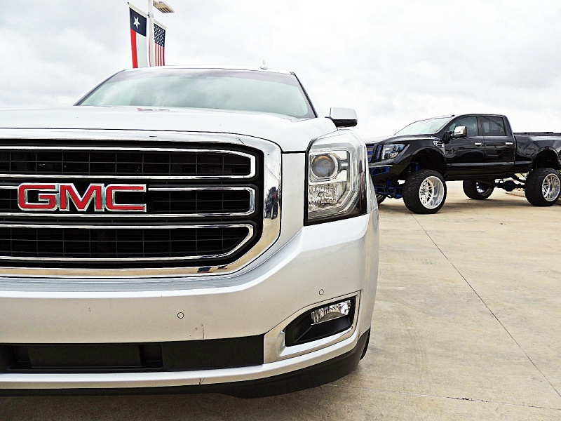 GMC Yukon 2017 price $34,900