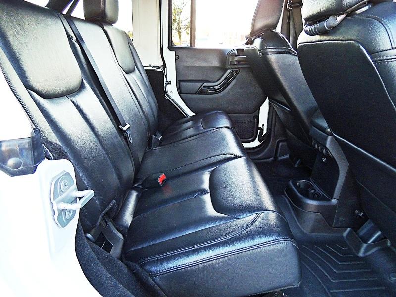 Jeep Wrangler Unlimited 2014 price $27,900