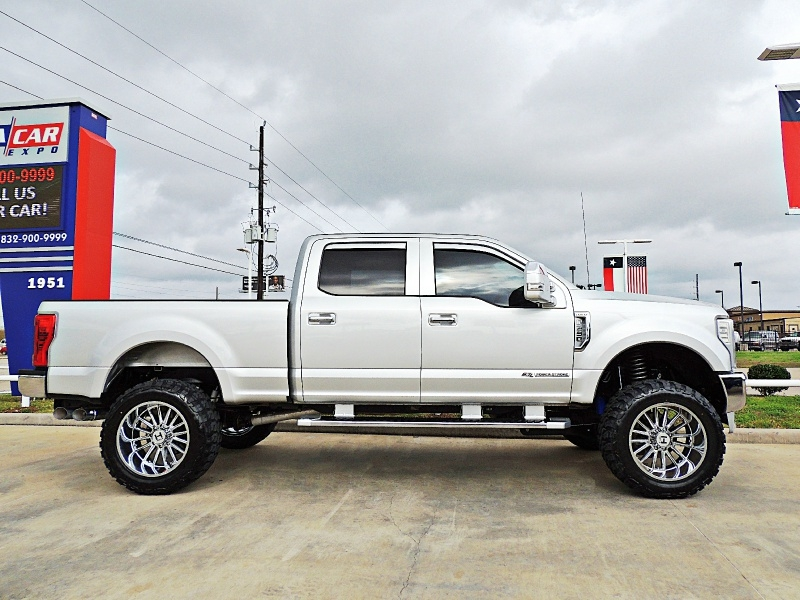 Ford F-250 XLT 4X4 Lifted 2017 price $45,850