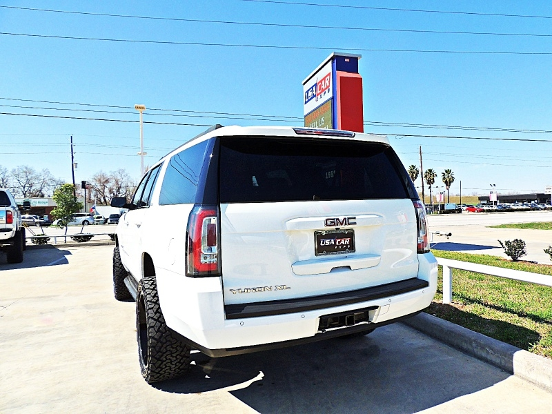 GMC Yukon XL 2015 price $30,900