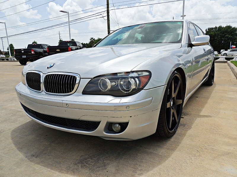 BMW 7-Series 2006 price $7,900