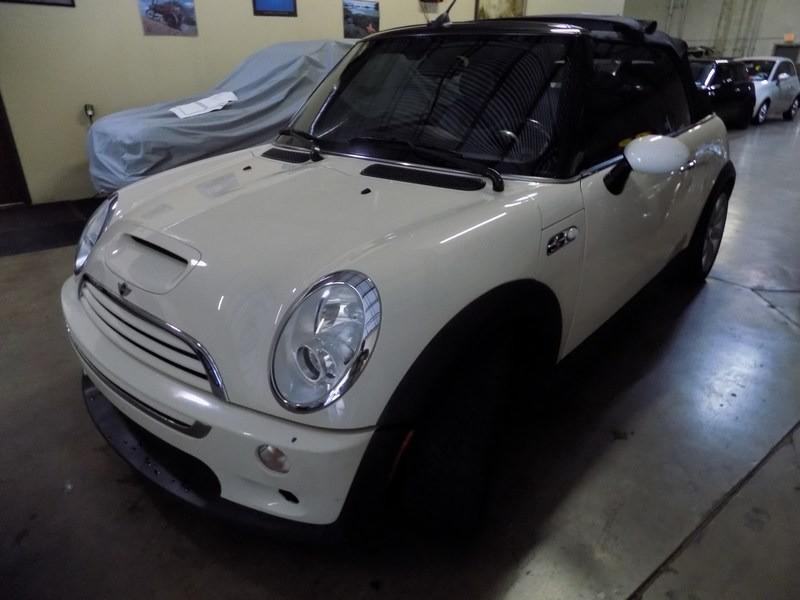 Mini Cooper Convertible 2006 price $5,995 Cash