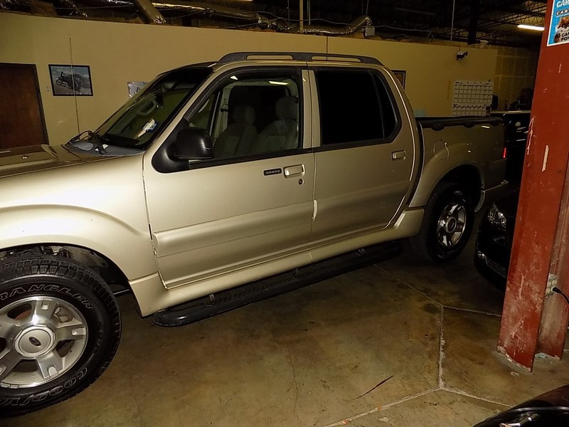 Ford Explorer Sport Trac 2004 price $6,995 Cash