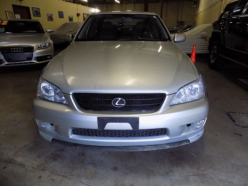 Lexus IS 300 2003 price $4,995 Cash