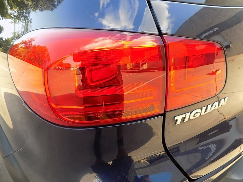 Volkswagen Tiguan 2013 price $10,495