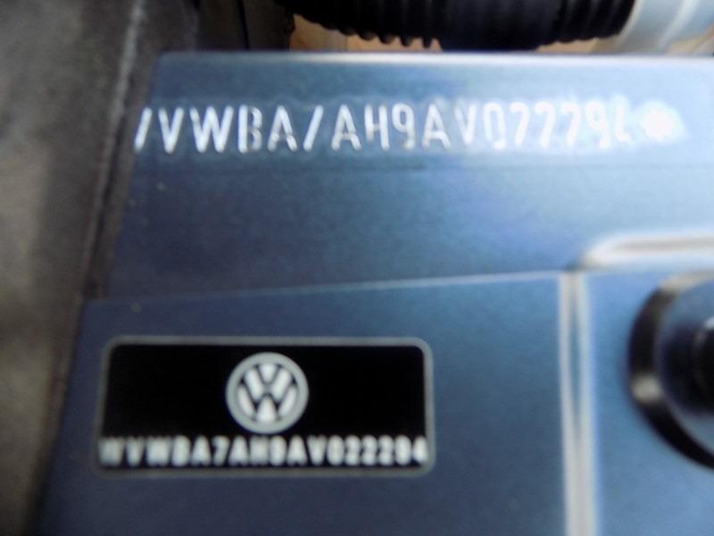 Volkswagen Eos 2010 price $7,995