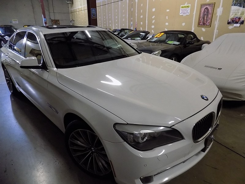 BMW 7-Series 2012 price $10,995