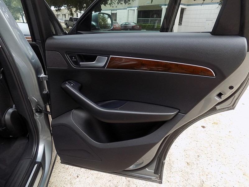 Audi Q5 2010 price $9,995 Cash