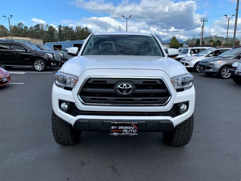 Toyota Tacoma 2016 price $30,950
