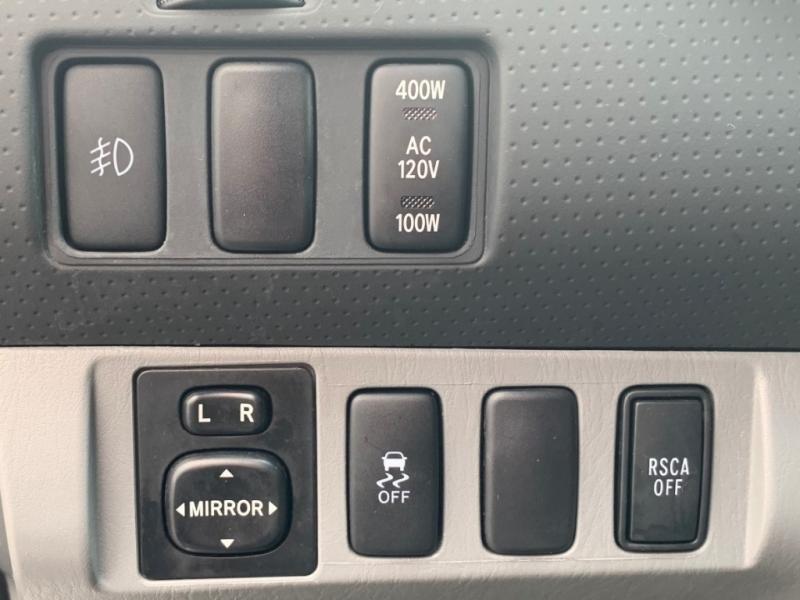 Toyota Tacoma 2015 price $29,950