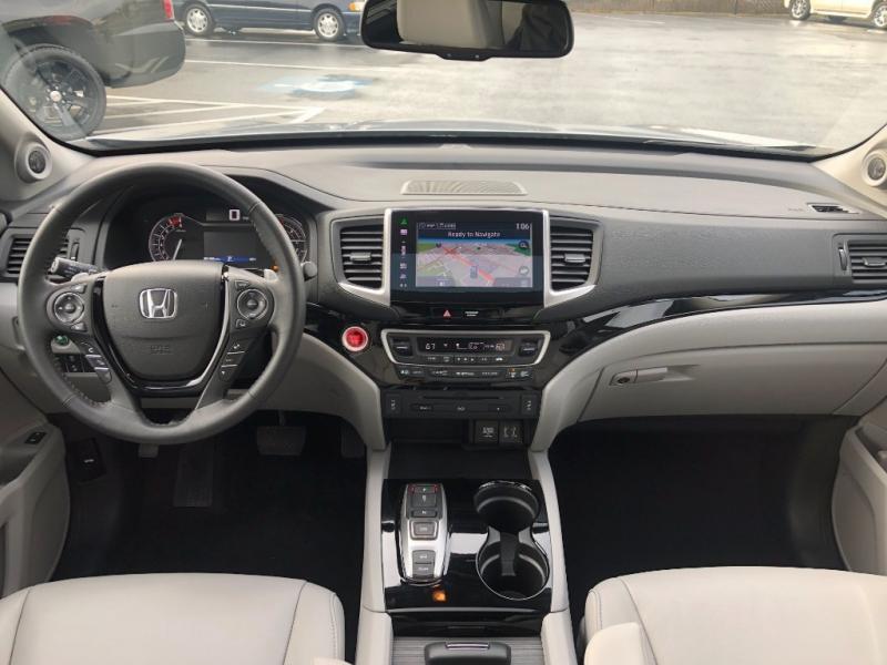 Honda Pilot 2016 price $28,950