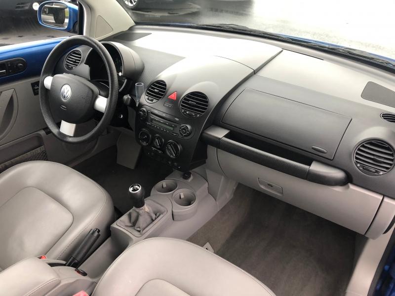 Volkswagen New Beetle Coupe 2004 price $3,450