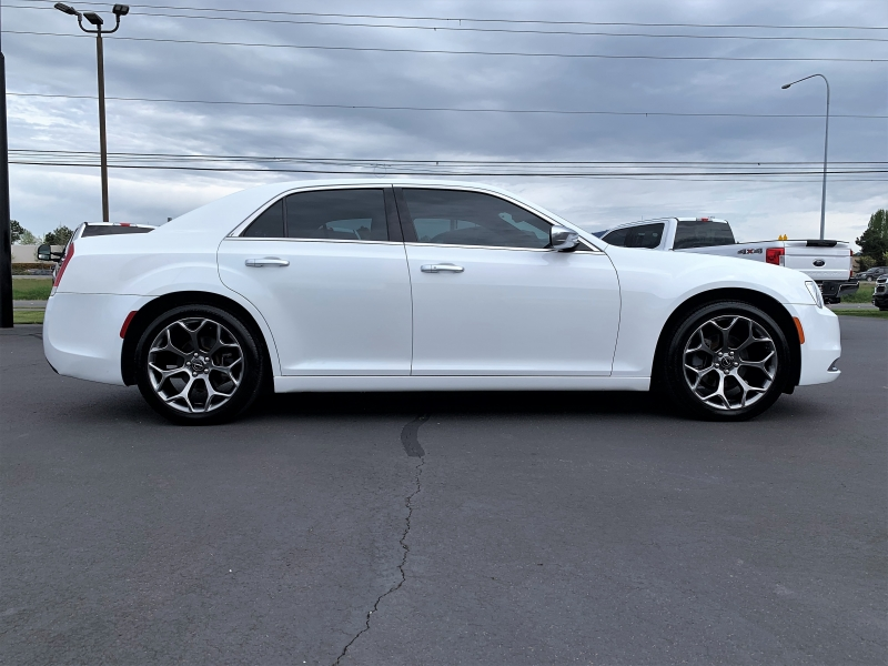 Chrysler 300 2016 price $19,750