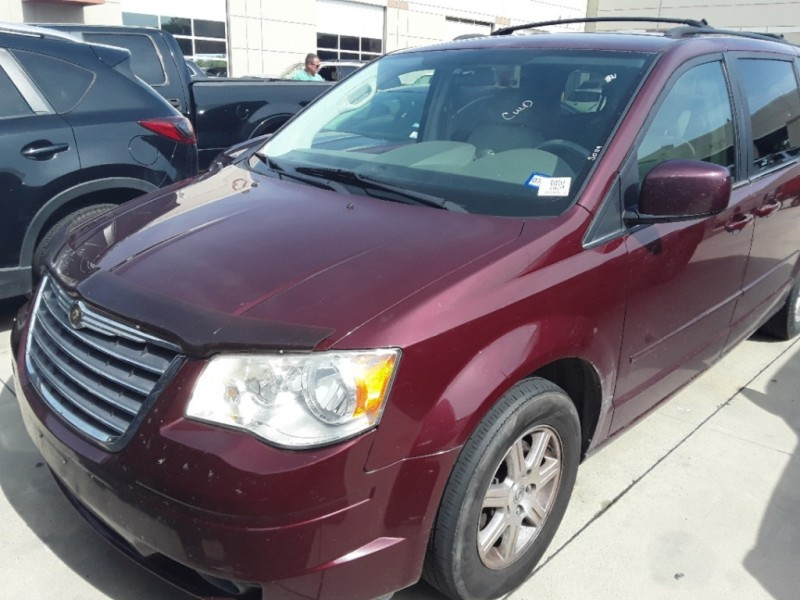 Chrysler Town & Country 2008 price $2,900