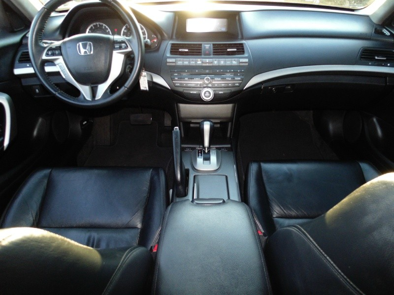 Honda Accord Cpe 2011 price $8,895