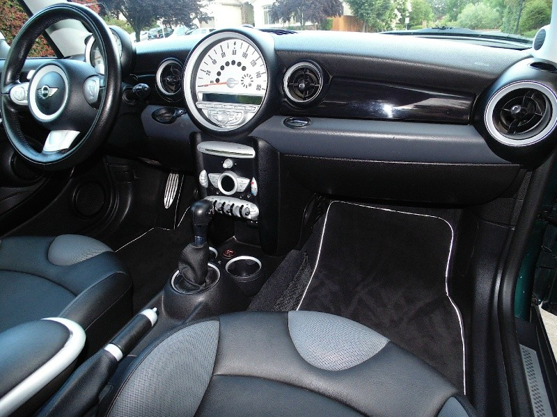Mini Cooper Clubman 2009 price $6,750