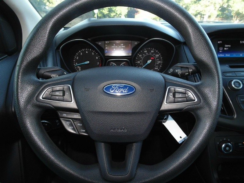 Ford Focus 2015 price $7,875