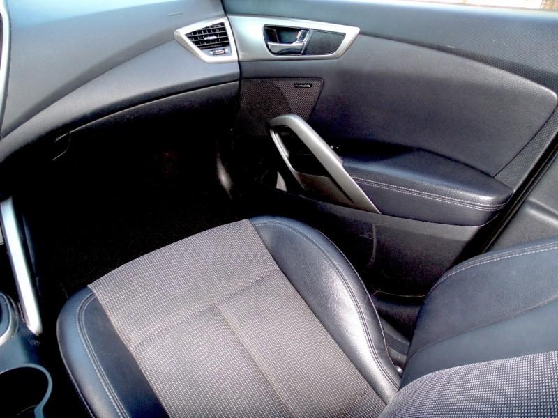 Hyundai Veloster 2013 price $6,875
