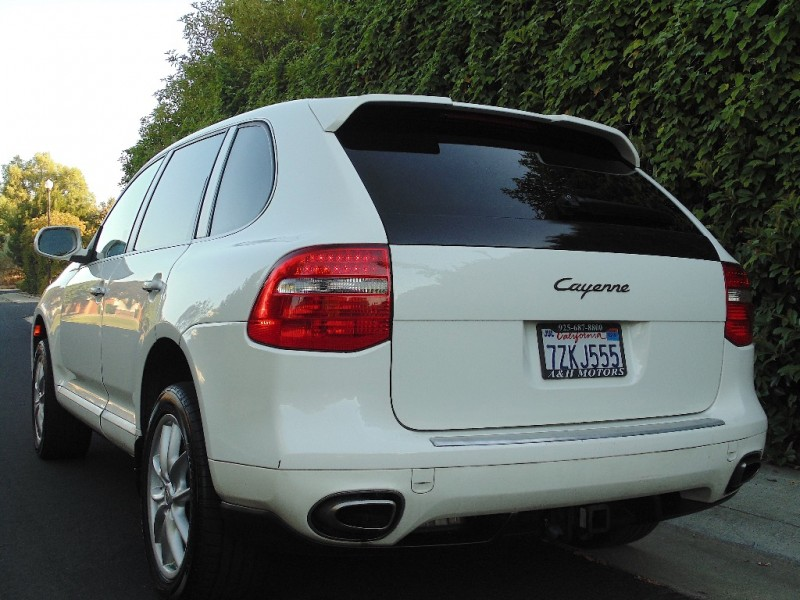 Porsche Cayenne AWD 2009 price $9,995