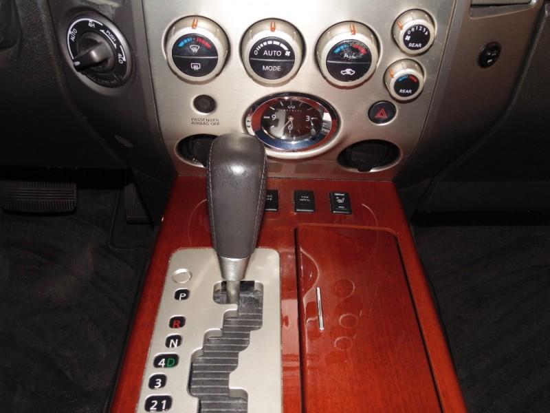 Infiniti QX56 4WD 2005 price $7,755