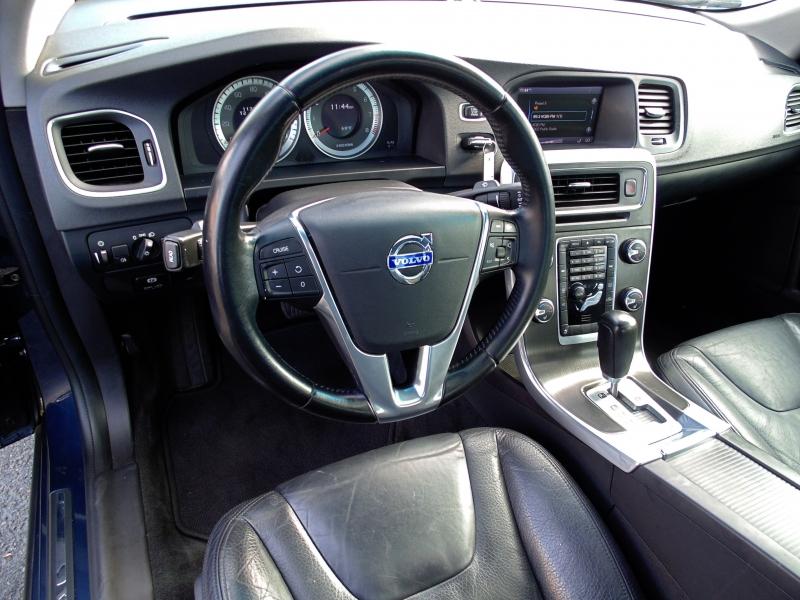 Volvo S60 T5 2012 price $7,895