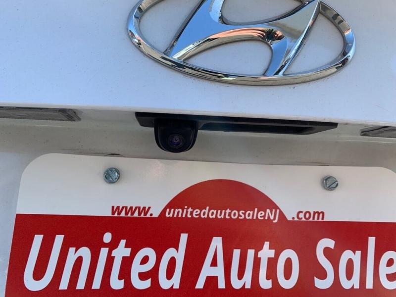 Hyundai Elantra 2017 price $11,700