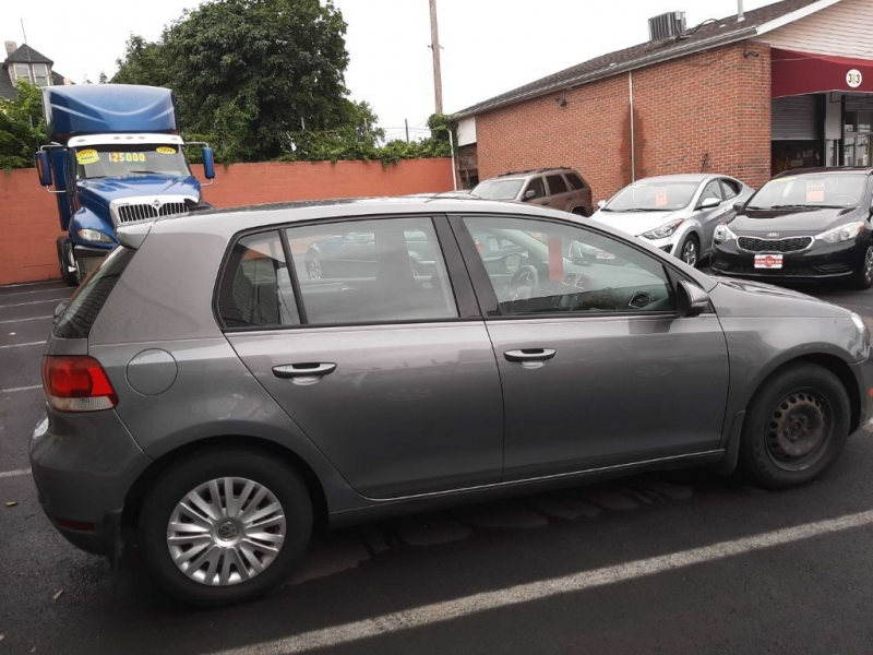 Volkswagen Golf 2012 price $7,500