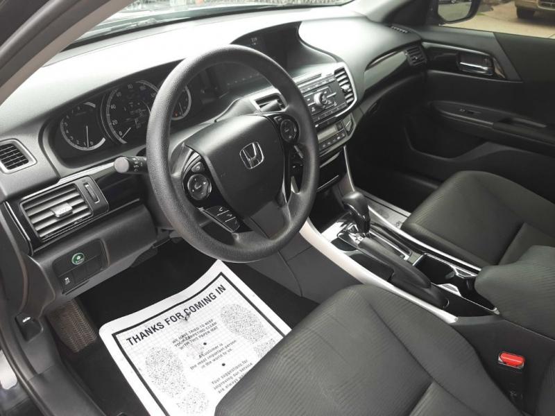 Honda Accord 2017 price $17,500
