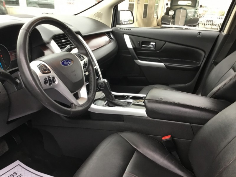 Ford Edge 2011 price $12,995
