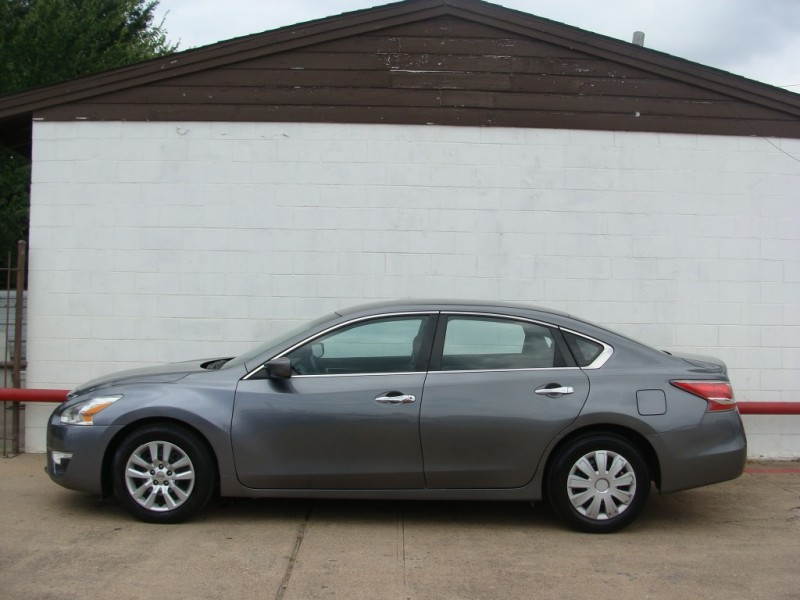 Nissan Altima 2015 price $999 Down