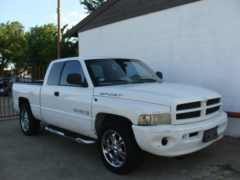 Dodge Ram 1500 2000 price $2,199 Cash