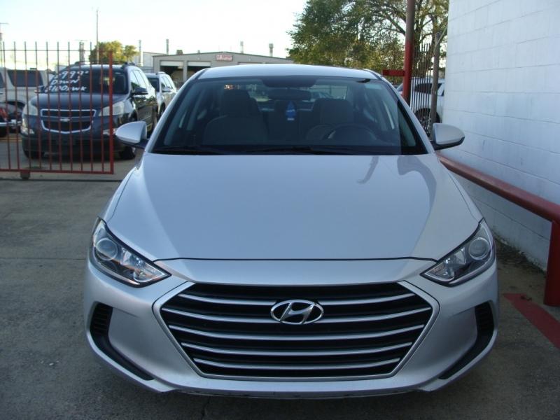 Hyundai Elantra 2017 price $999 Down