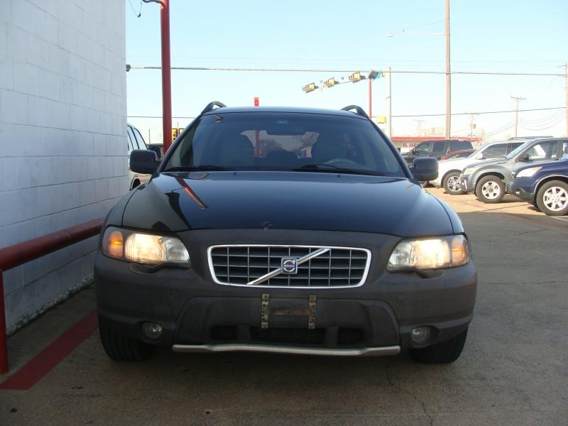 Volvo V70 2001 price $1250 Cash