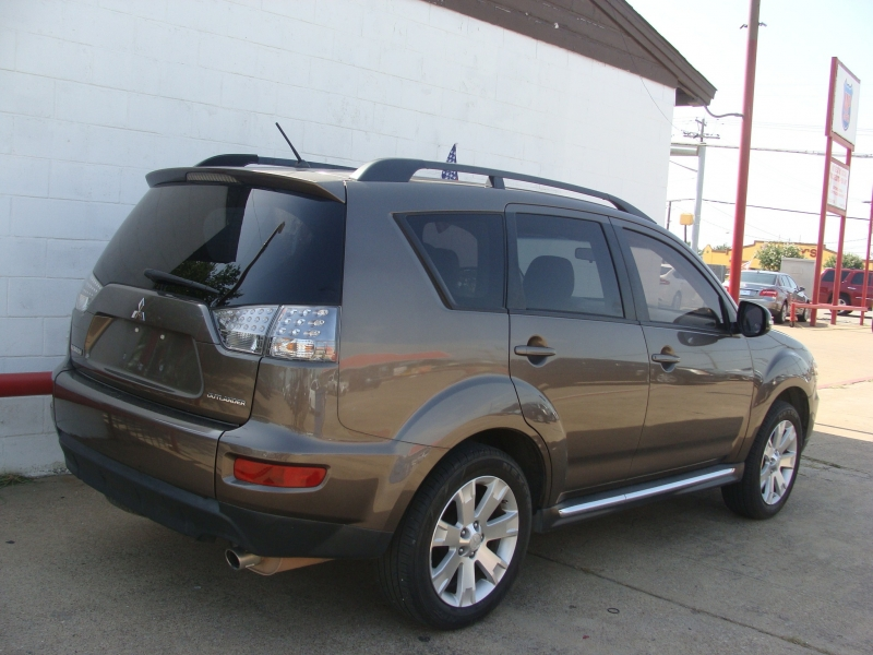 Mitsubishi Outlander 2013 price $999 Down
